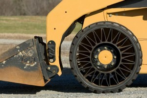 Michelin Tweel Airless Tire In Action Photo credit : http://www.michelintweel.com/aboutTweel.html
